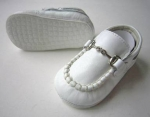 Moccasin Cow Leather w/ Chain-White